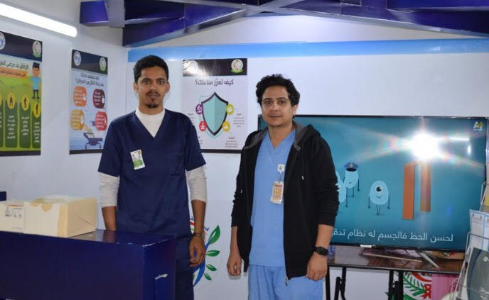 كلية العلوم التطبيقية بتبوك تواصل حملة التوعية بأمراض السرطان (40×40)