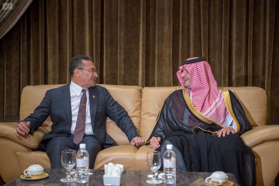 الأمير عبدالعزيز بن سعود يصل إلى ماليزيا