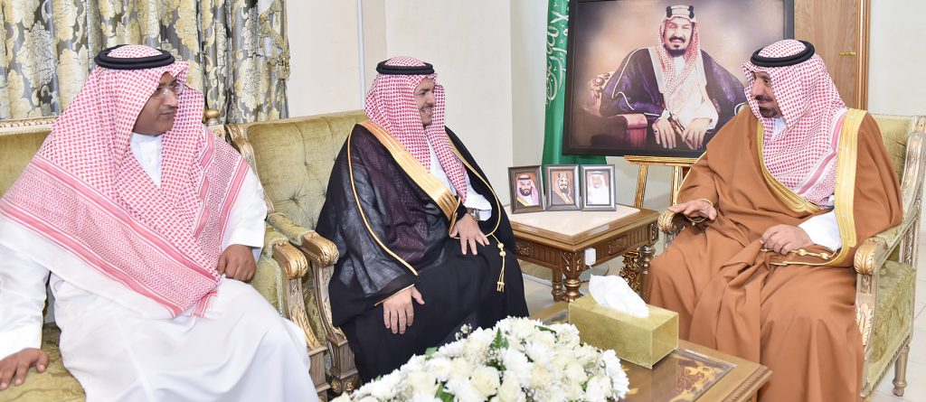 """أمير نجران يشيد بجهود """"الجمارك"""" في تسيير القوافل الإنسانية"""