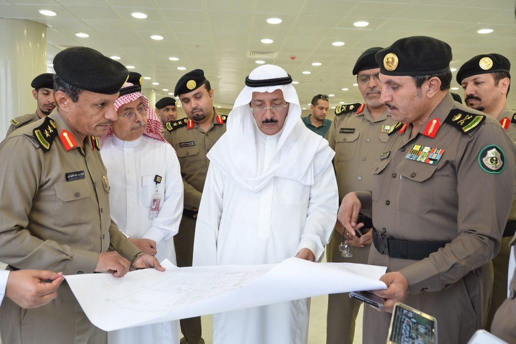 مدير المرور يقف على استعدادات مدرسة القيادة بجامعة الامام عبد الرحمن بن فيصل