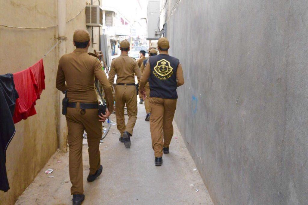 """شرطة القصيم تواصل حملات """" وطن بلا مخالف """""""