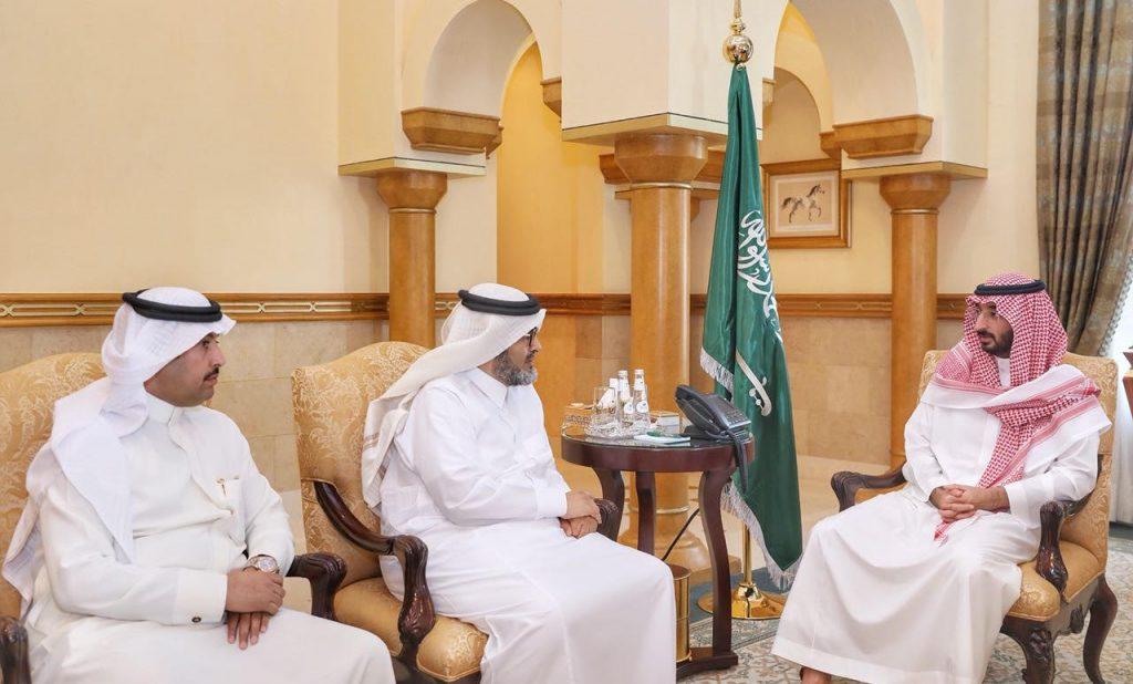 أمير مكة بالنيابة يطلع على خطط وبرامج الجمعيات التعاونية التي تنوي تنفيذها