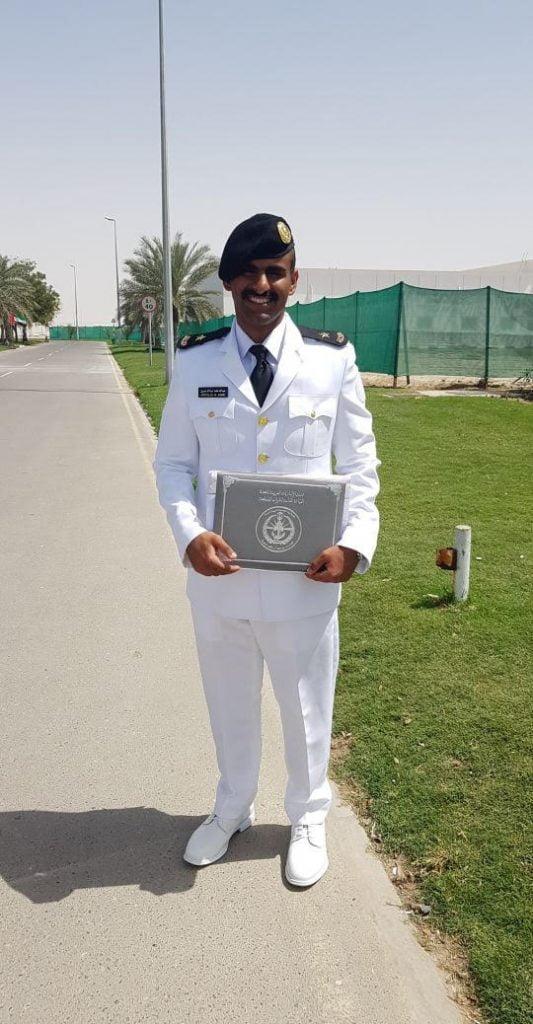 عبدالله آل مسفر يتخرج برتبة ملازم من كلية سعيد آل مكتوم البحرية في أبوظبي