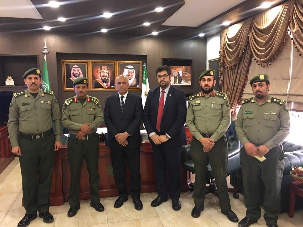 مدير جوازات عسير يبحث مع سفير جمهورية أفغانستان أوضاع الجالية الأفغانية بالمنطقة
