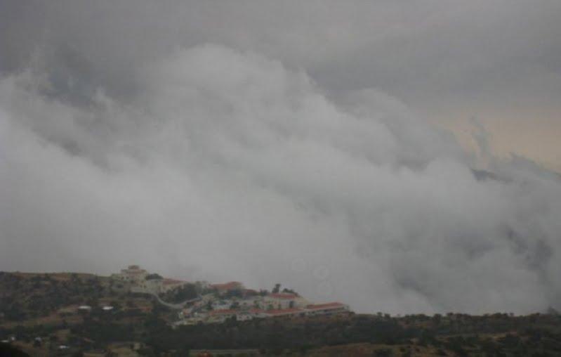 الأرصاد : سحباً رعدية ممطرة تسبق برياح مثيرة للأتربة والغبار على ( حائل ، القصيم ، الرياض ، الشرقية ) وامطار على مرتفعات ( الباحة ، عسير ، جازان ، نجران)