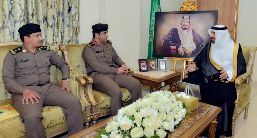 أمير نجران يستعرض خطط مرور نجران لخفض الحوادث