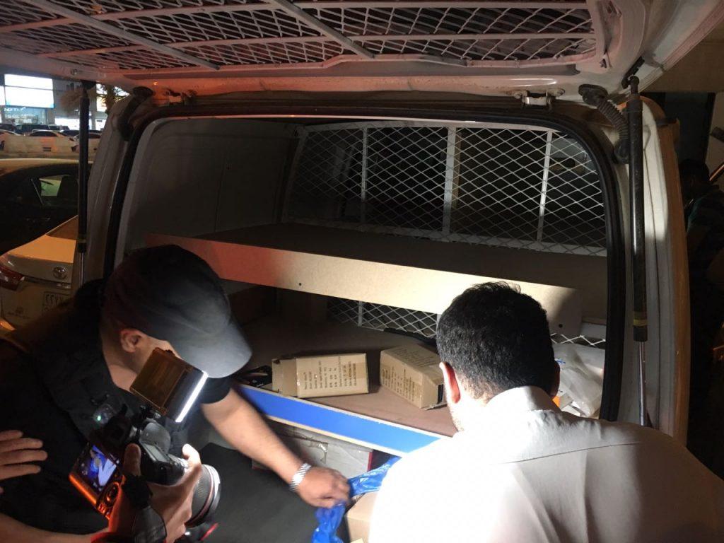 """عمل الرياض يضبط """"8""""وافدين أحدهم استغل سيارة """"فان"""" لبيع الجولات"""