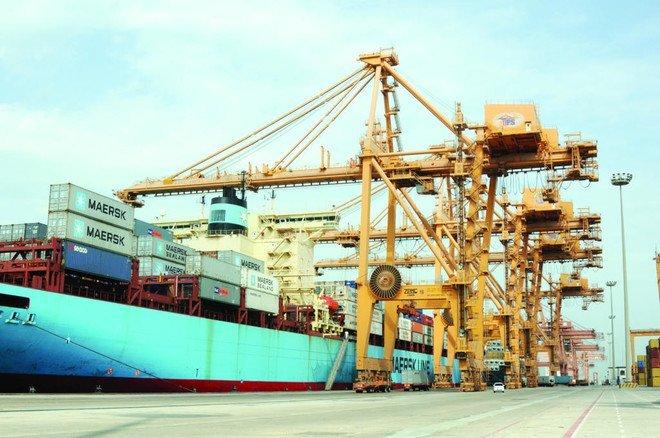 هيئة تنمية الصادرات السعودية تعتزم تعزيز خط الملاحة بين ميناء الدمام وأم قصر بزيادة عدد الحاويات المصدر أسبوعيا من ١٠٠ حاوية حاليا إلى ٥٠٠ حاويا بنهاية ٢٠١٨