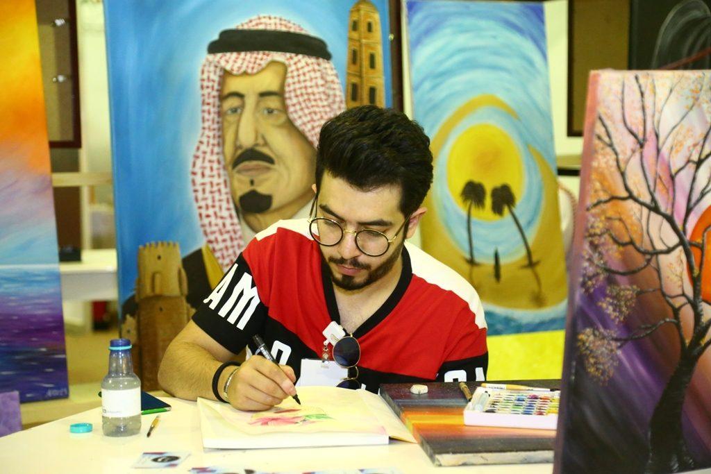 """""""الفن التشكيلي"""" يزين مهرجان تمور الجوف"""