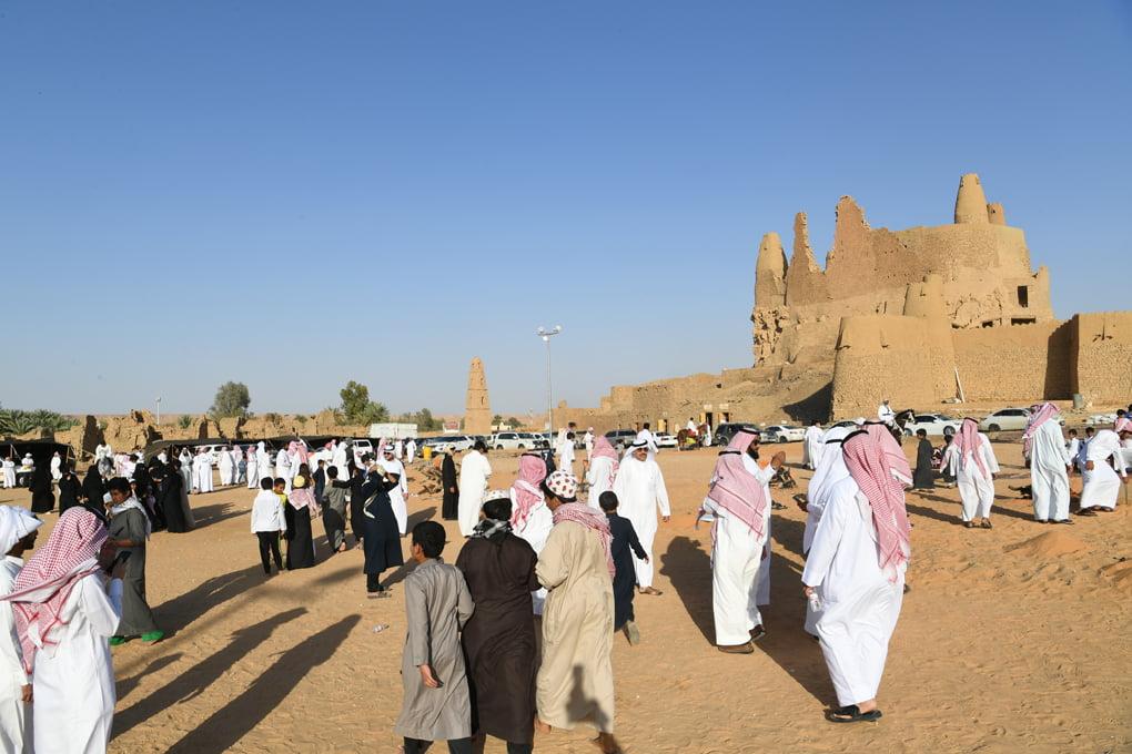 الفعاليات التراثية تجذب زوار مهرجان تمور الجوف الخامس