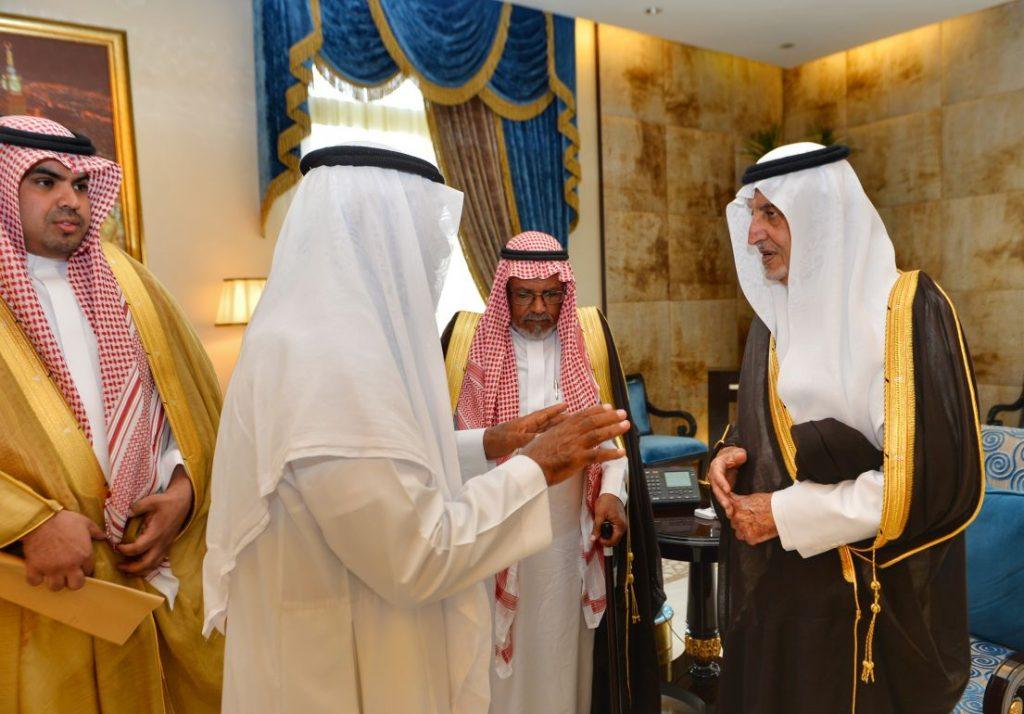 بعد تجمهر بعض المواطنين.. وجهاء يعتذرون لأمير مكة عن تجمهر بعض أفراد قبيلتهم في الطائف
