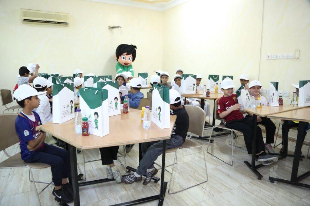 طلاب المعهد الصناعي الثانوي وتعليم المدينة يشاركون بحملة #مدينتي_نظيفة
