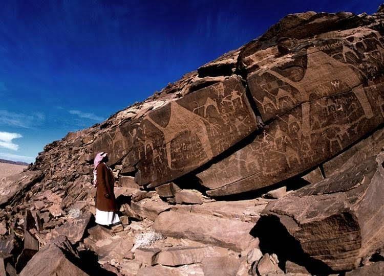 عالم آثار بريطاني: الاستيطان البشري بدأ في حائل قبل 100 ألف عام