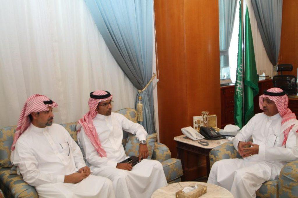 محافظ ينبع التقى المدير التنفيذي للاتحاد السعودي للرياضات البحرية