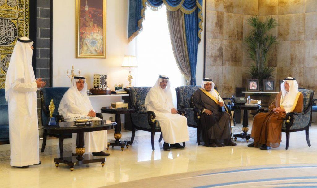 أمير مكة يلتقي الفائزين من الإدارة العامة لتعليم جدة بجائزة الوزارة للتميز