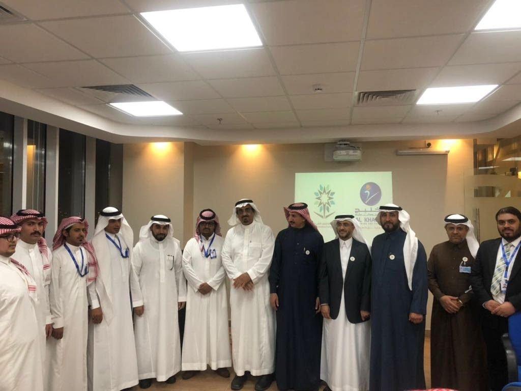 محافظ المؤسسة العامة للتدريب التقني والمهني يطلع على برامج وأنشطة معهد الخليج للتدريب والتعليم بأبها