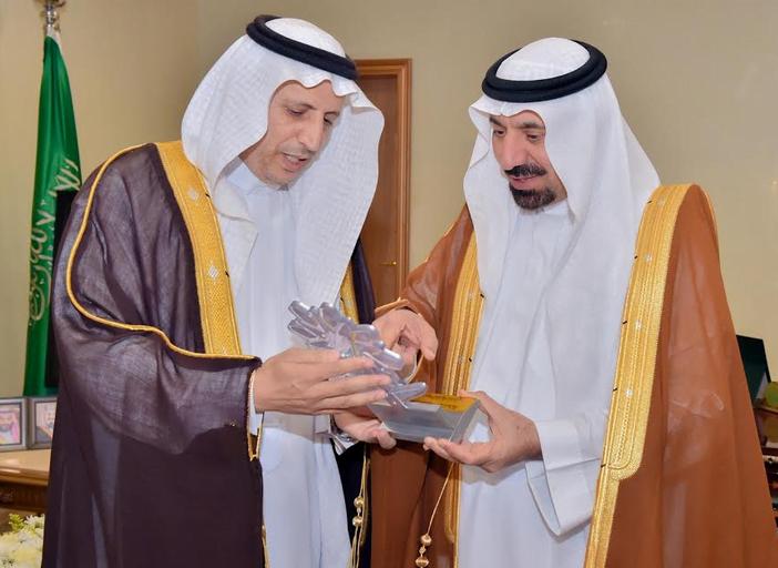 أمير نجران يستعرض الهوية الجديدة لمؤسسة التدريب التقني والمهني