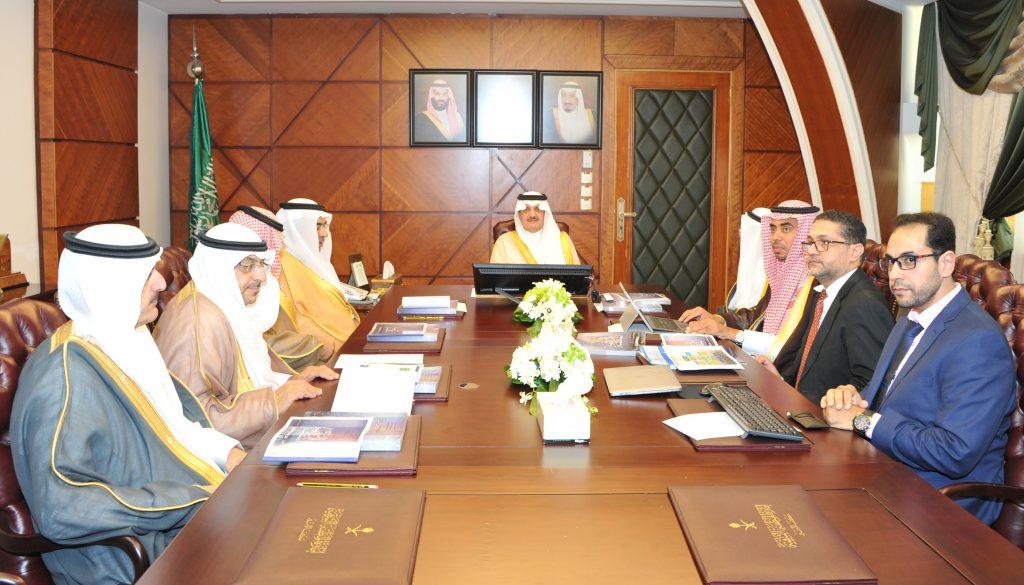 الأمير سعود بن نايف يطلع على مؤشرات المرصد الحضري الإقليمي