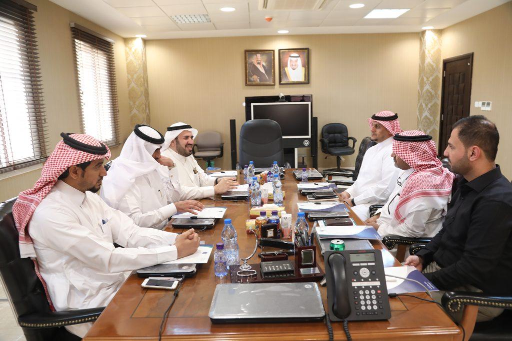 مسؤولو مدينة الملك فهد الطبية يزورون جامعة حائل