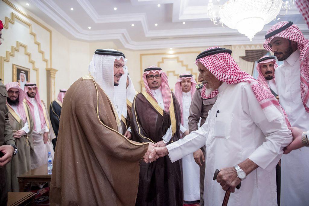 أمير القصيم يكرم وفد المنطقة المشارك في مهرجان الجنادرية 32