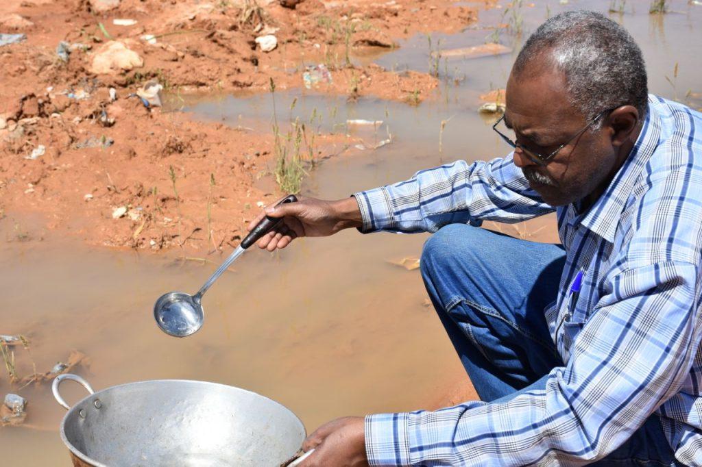 رئيس بلدية طريف يوجه صحة البيئة بدراسة عاجلة لأسباب انتشار البعوض في المحافظة وسبل علاجه
