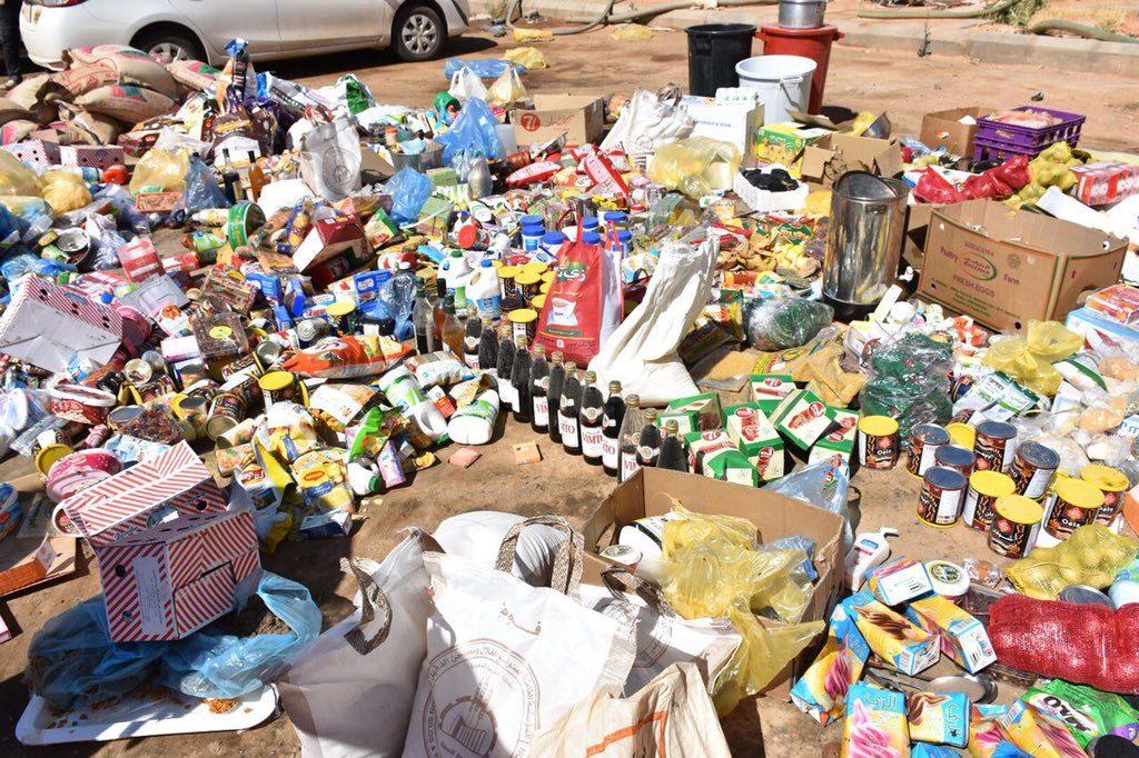 ضبط 6 طن من المواد الغذائية منتهية الصلاحية في طريف