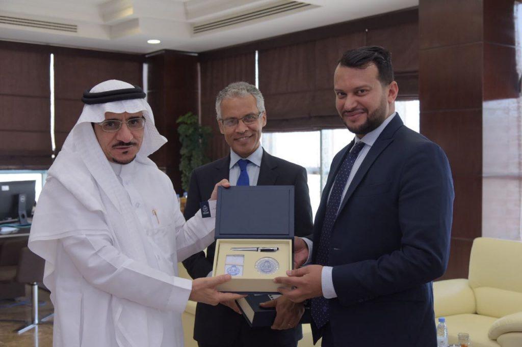 معالي مدير جامعة الباحة يستقبل القنصل العام لجمهورية فرنسا لدى المملكة