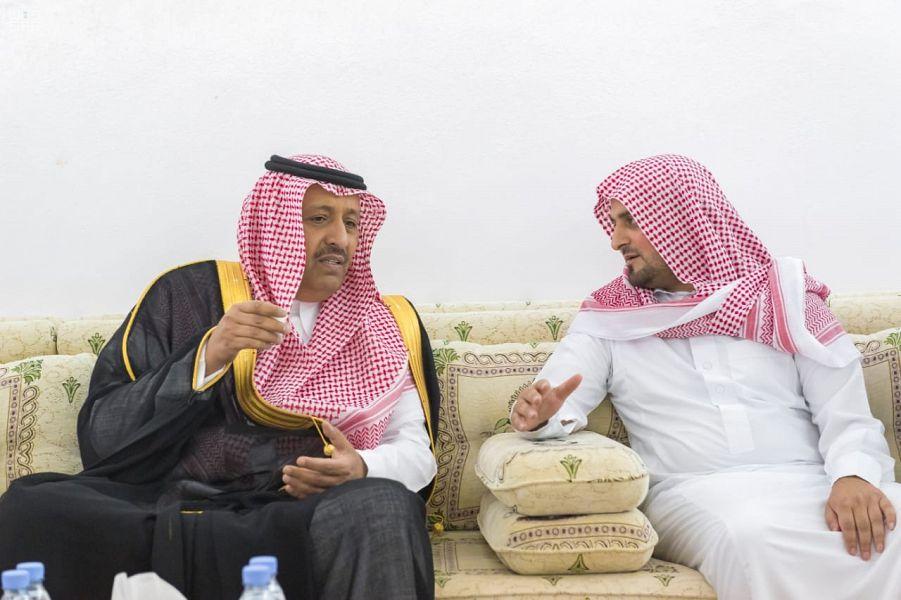أمير منطقة الباحة يعزي مدير قسم أمن الإمارة في وفاة والده