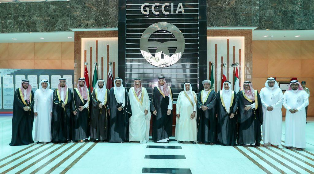 الأمير أحمد بن فهد يزور مقر هيئة الربط الكهربائي الخليجي