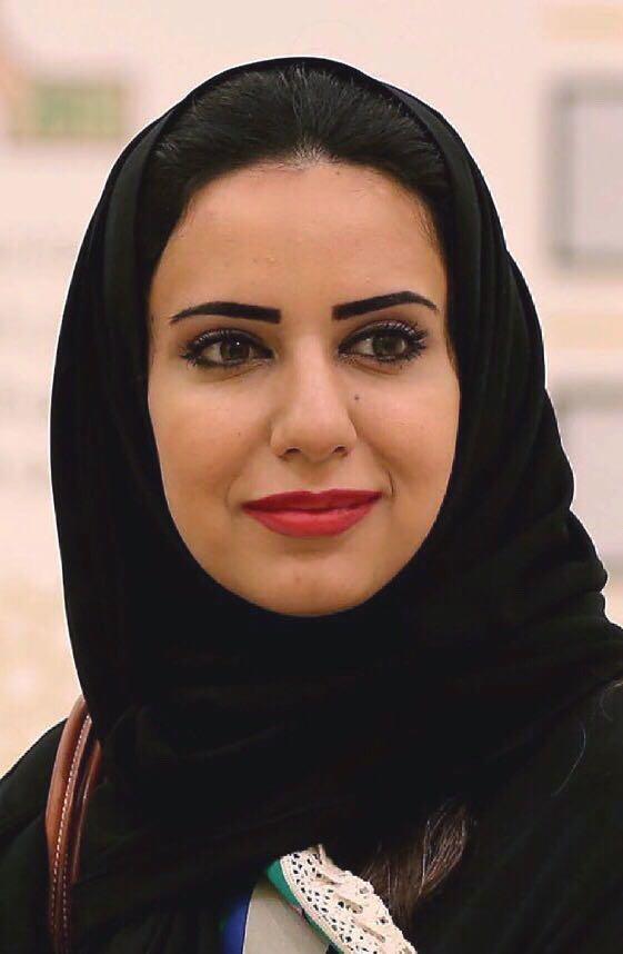 """رانيا الفردان """"للمناطق"""" : المصورات السعوديات حققن حضور عالمي بتميز اللقطة والخبرة والصبر"""