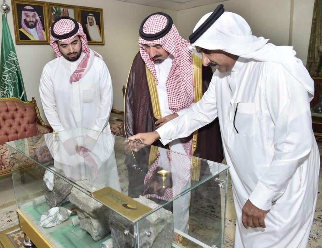 أمير نجران يؤكد ضرورة تمكين أبناء الوطن في القطاع الخاص