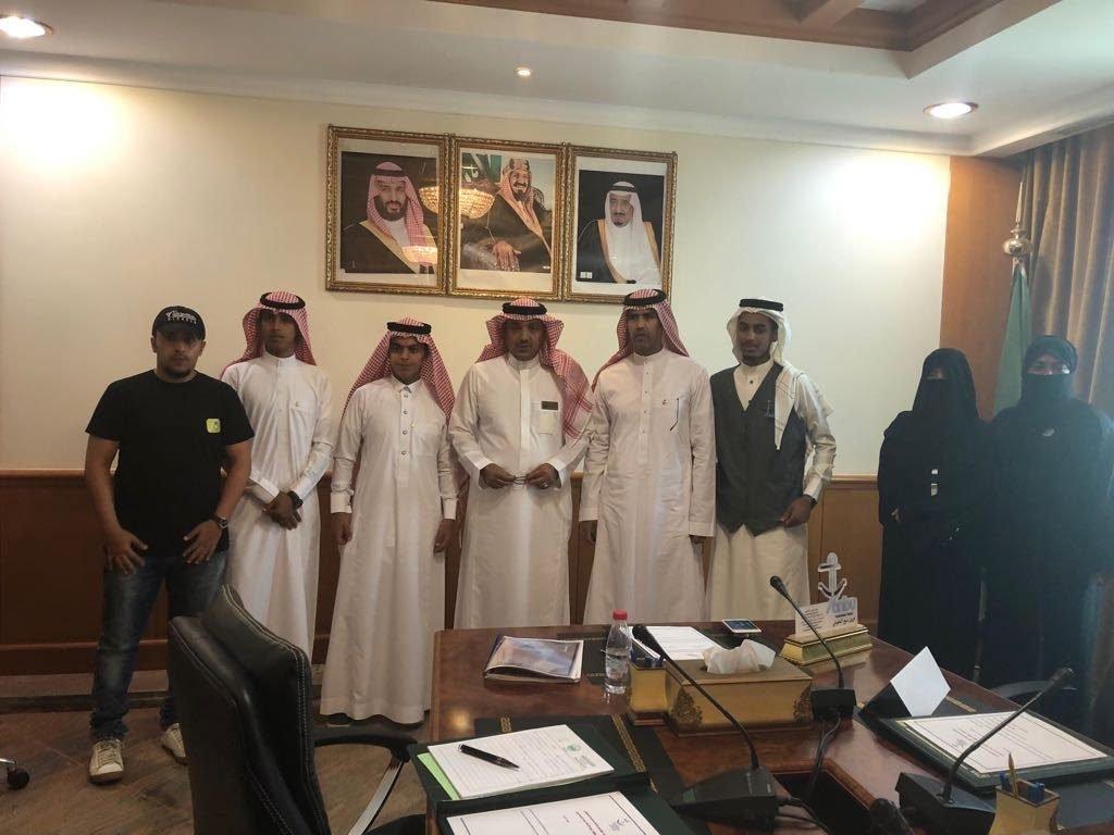 محافظ ينبع يلتقى رئيس وأعضاء فريق ينبع التطوعي