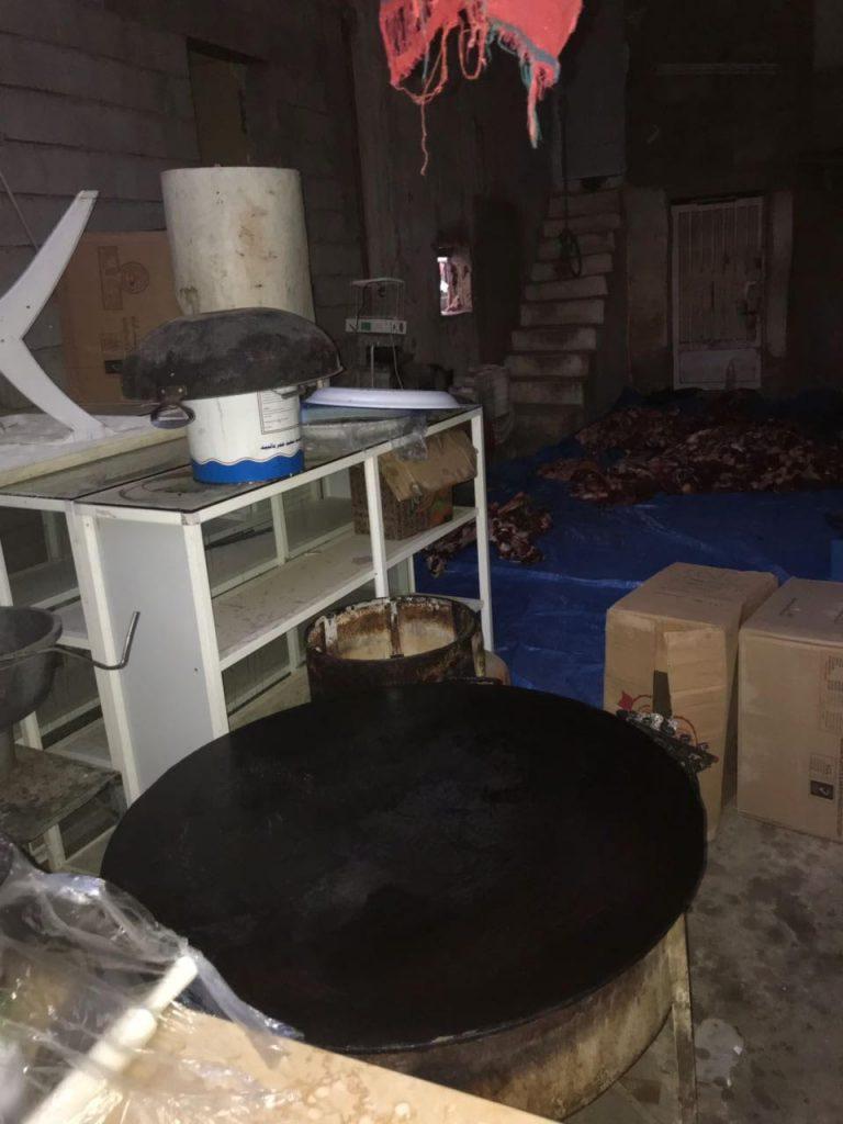 مداهمة سكن عمال يقومون بالذبح داخله في محايل