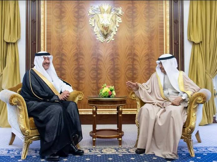 سمو رئيس الوزراء بمملكة البحرين يستقبل الأمير سلطان بن سلمان