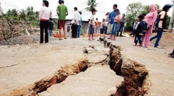 زلزال بقوة 6 درجات يضرب جزيرة سومطرة في إندونيسيا