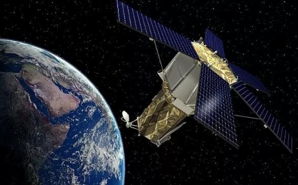 اليابان تطلق صاروخاً يحمل قمراً صناعياً لجمع المعلومات