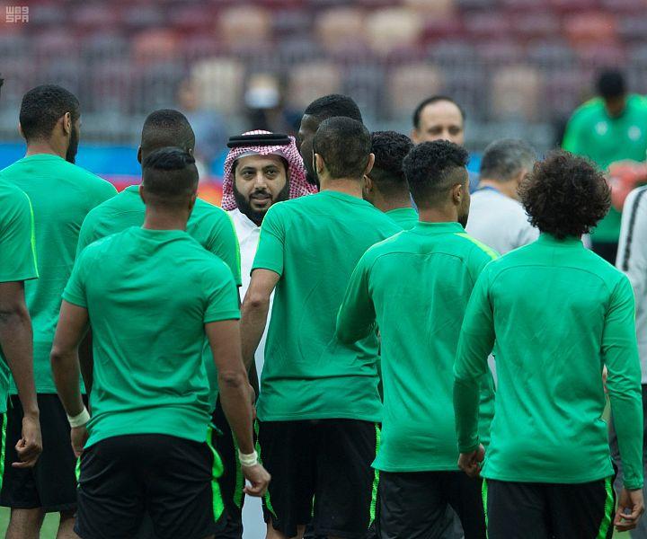 الأخضر يختتم تدريباته لمواجهة روسيا غداً في كأس العالم .. وآل الشيخ يجتمع باللاعبين