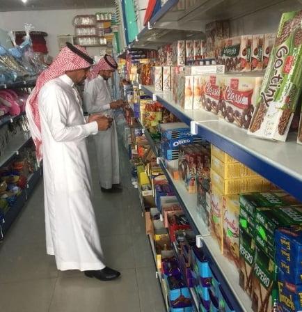 """""""التجارة"""" تراقب المحلات مع قرب حلول عيد الفطر"""