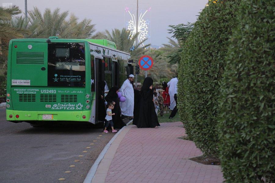 50 ألف زائر وزائرة يستفيدون من خدمة النقل الترددي بمهرجان طيبة ٣٩