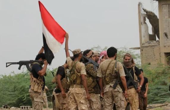 الحكومة اليمنية: تحرير ميناء الحديدة يمثل بداية السقوط للحوثيين