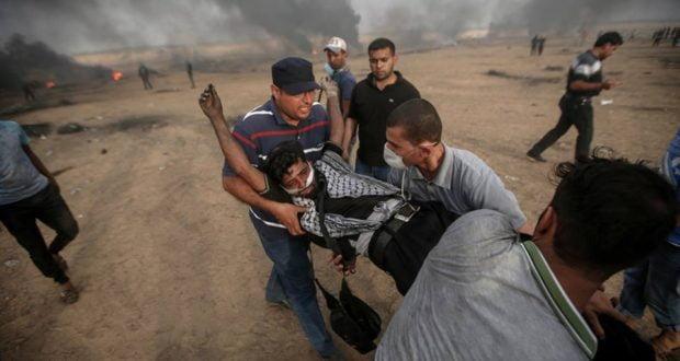 إصابة مئات الفلسطينيين في مواجهات مع القوات الإسرائيلية على حدود غزة