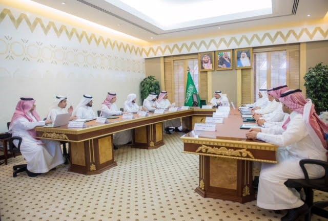 الأمير فيصل بن مشعل يرأس اجتماع اللجنة الاستشارية العليا لمكتب تحقيق الرؤية بإمارة القصيم