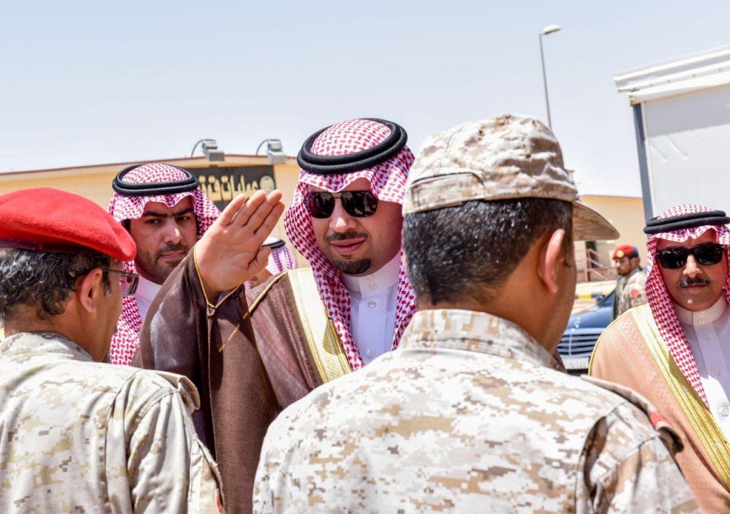 الأمير فيصل بن خالد ينقل تهاني القيادة للقوات البرية والحرس الوطني في الحدود الشمالية