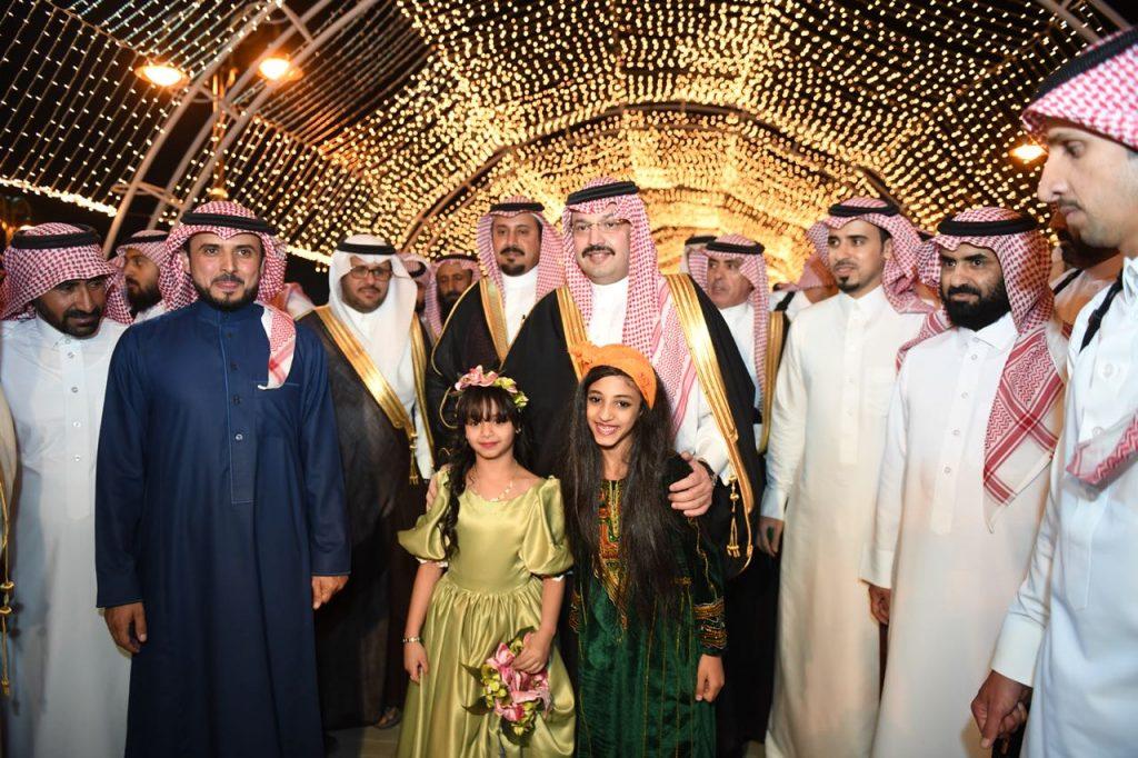 نائب أمير منطقة عسير يفتتح مشروع حديقة المطار بأبها