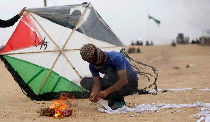 طائرات فلسطينية ورقية تشعل مستوطنة سديروت والنيران تمتد إلى الأحياء (فيديو)