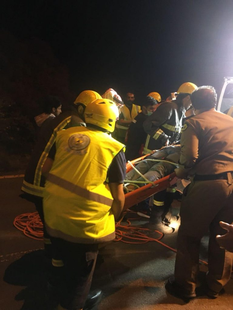 مدني أبها يباشر حالة فقدان عشريني بالقرب من منتزه السحاب السياحي