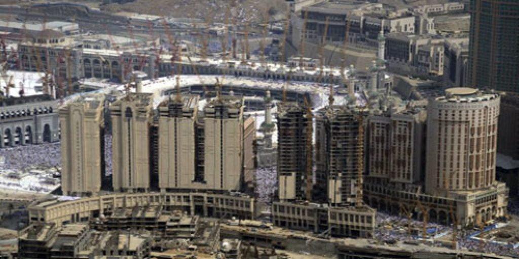 مصادر: السماح للشركات والبنوك بالانتفاع وامتلاك العقارات داخل مكة والمدينة