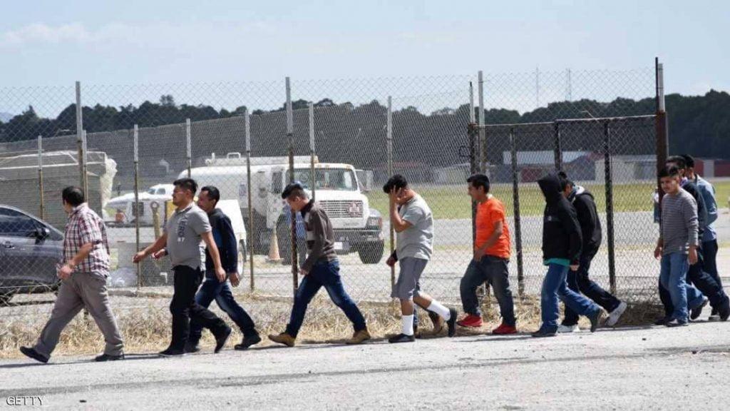 قاض أمريكي يوجه إدارة ترامب بتمويل تكاليف لم شمل المهاجرين
