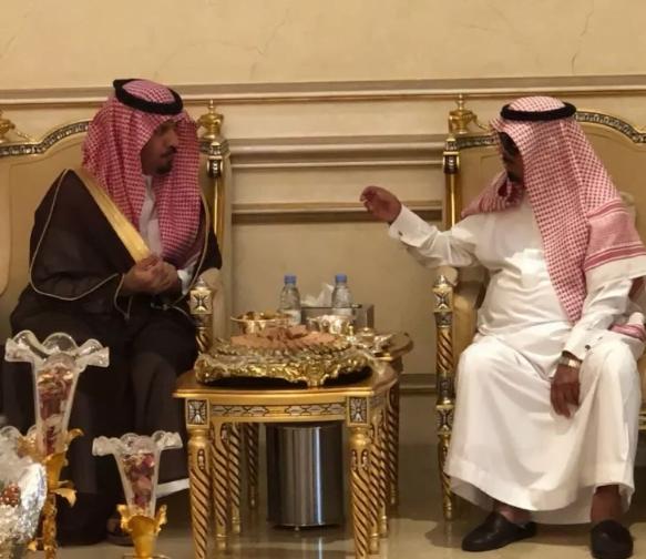 وزير الحرس الوطني يطمئن على صحة أمير الفوج الثاني والعشرين