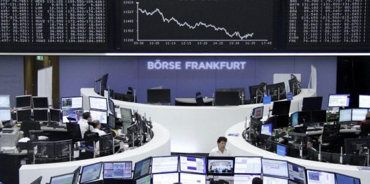 أسهم أوروبا تهبط متأثرة بمخاوف تجارية والمشهد السياسي في ألمانيا
